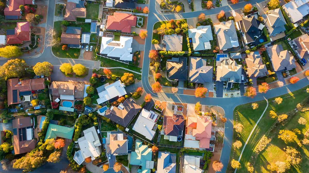 Australian house prices getting closer to the bottom, but don't expect a return to boom time conditions